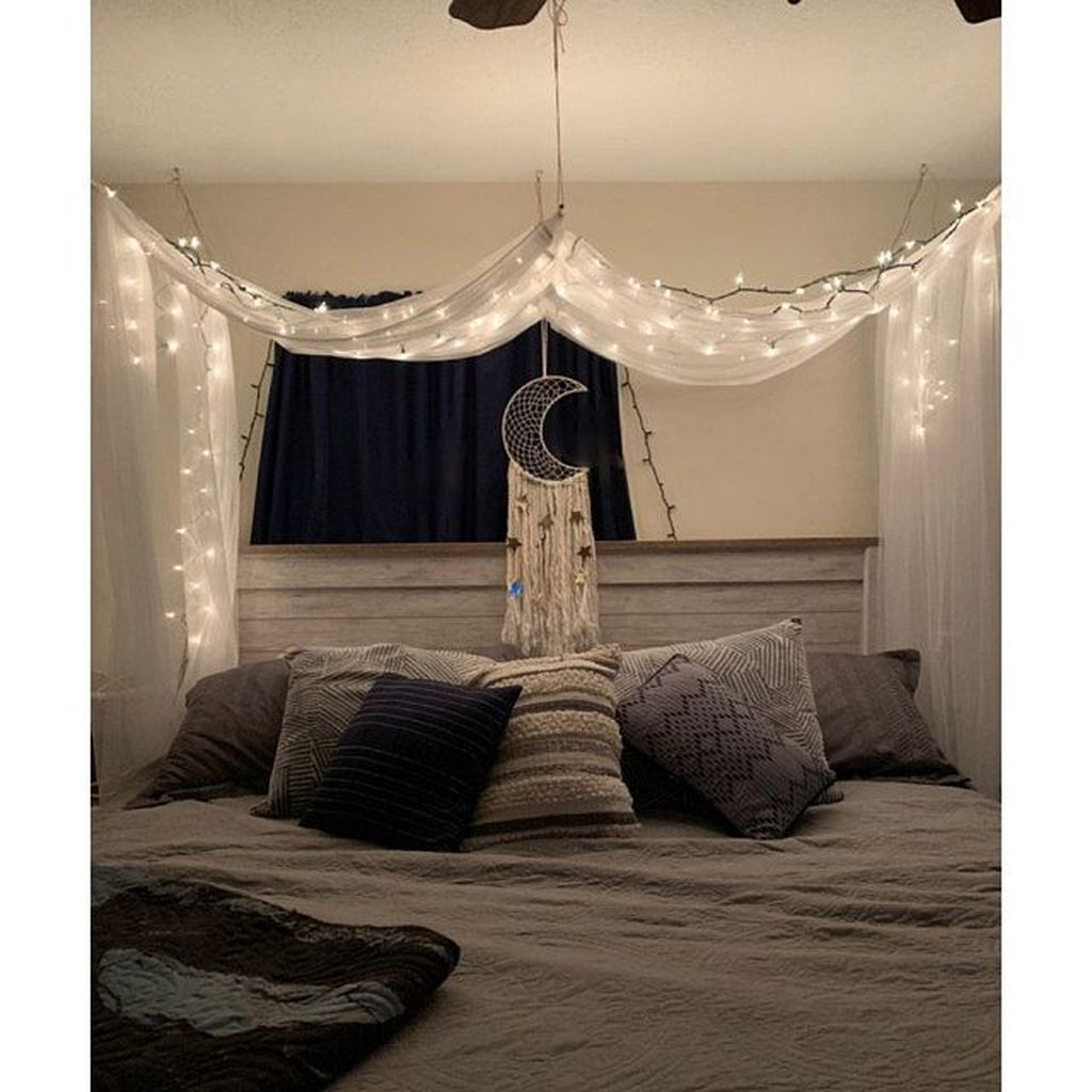 Awesome Romantic Bedroom Lighting Ideas You Will Love 20