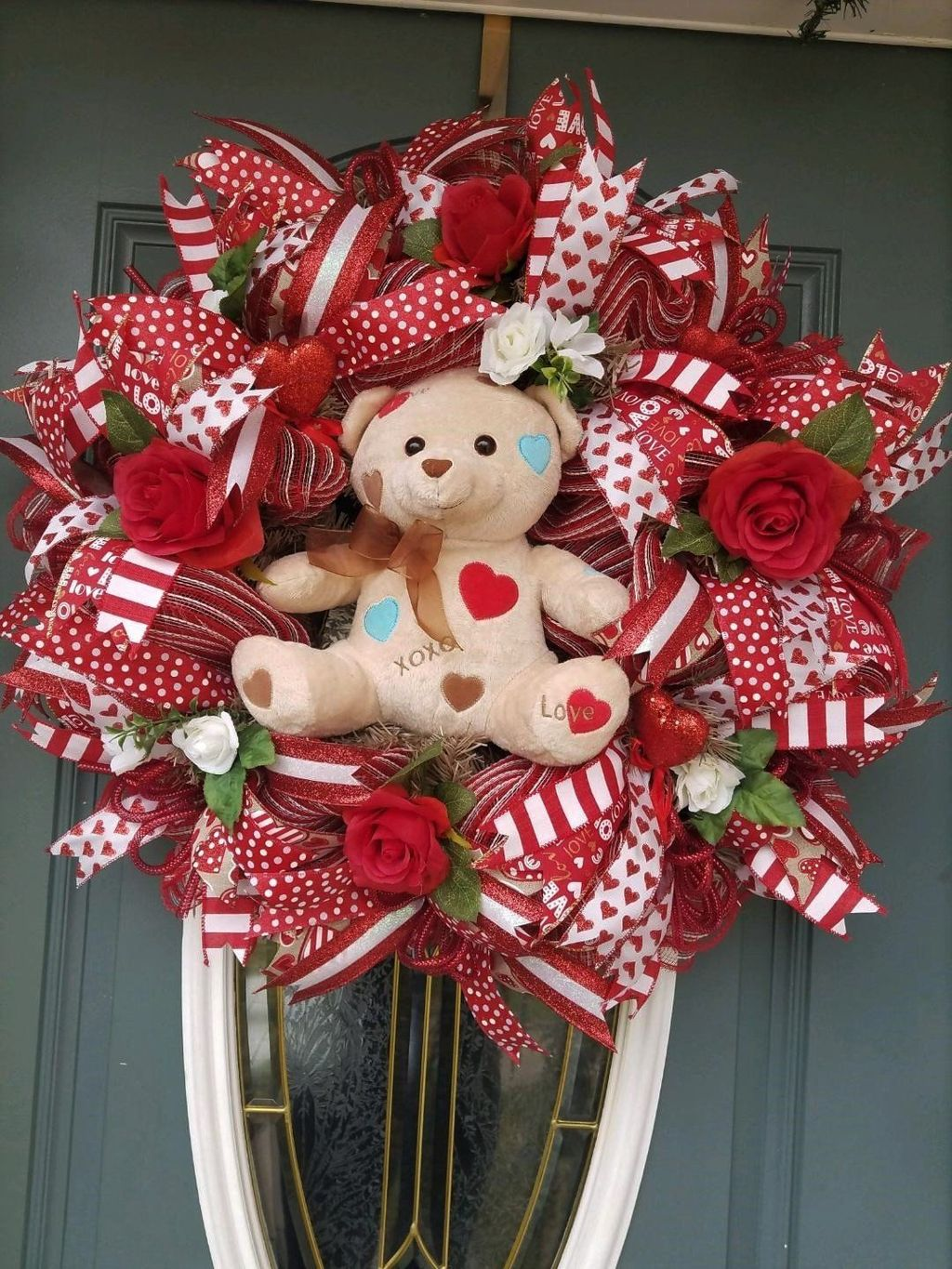 Fabulous Valentine Wreath Design Ideas FOr Your Front Door Decor 04
