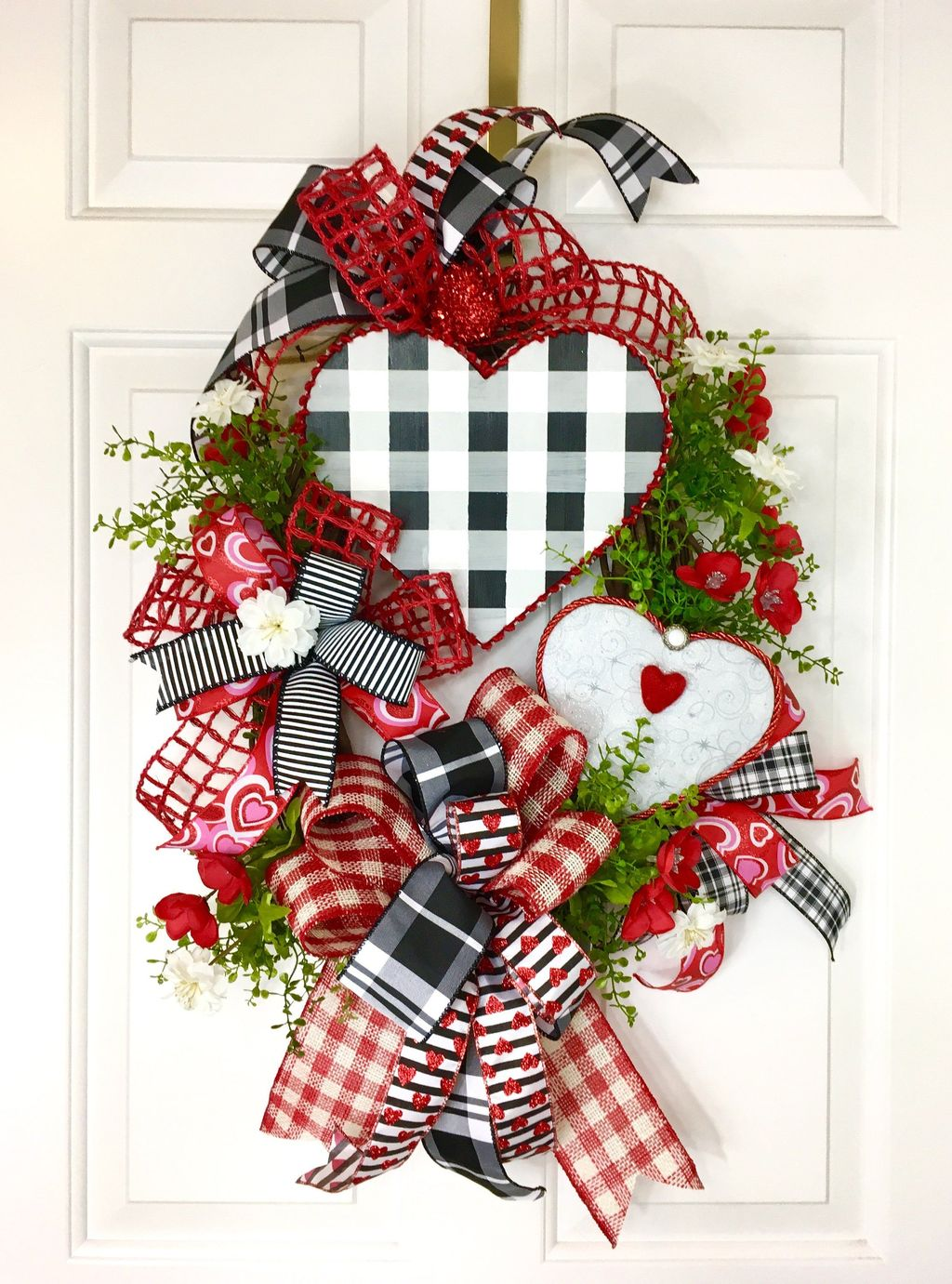 Fabulous Valentine Wreath Design Ideas FOr Your Front Door Decor 29
