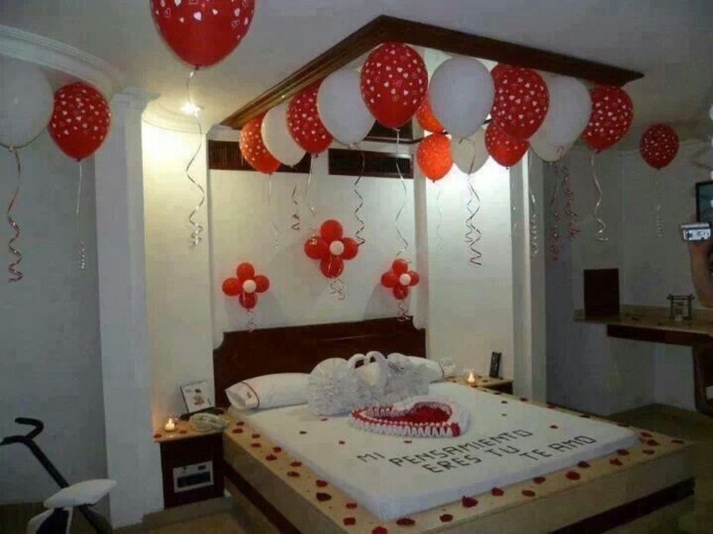 Gorgeous Romantic Valentine Bedroom Decoration Ideas 08