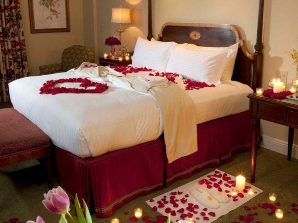 Gorgeous Romantic Valentine Bedroom Decoration Ideas 12