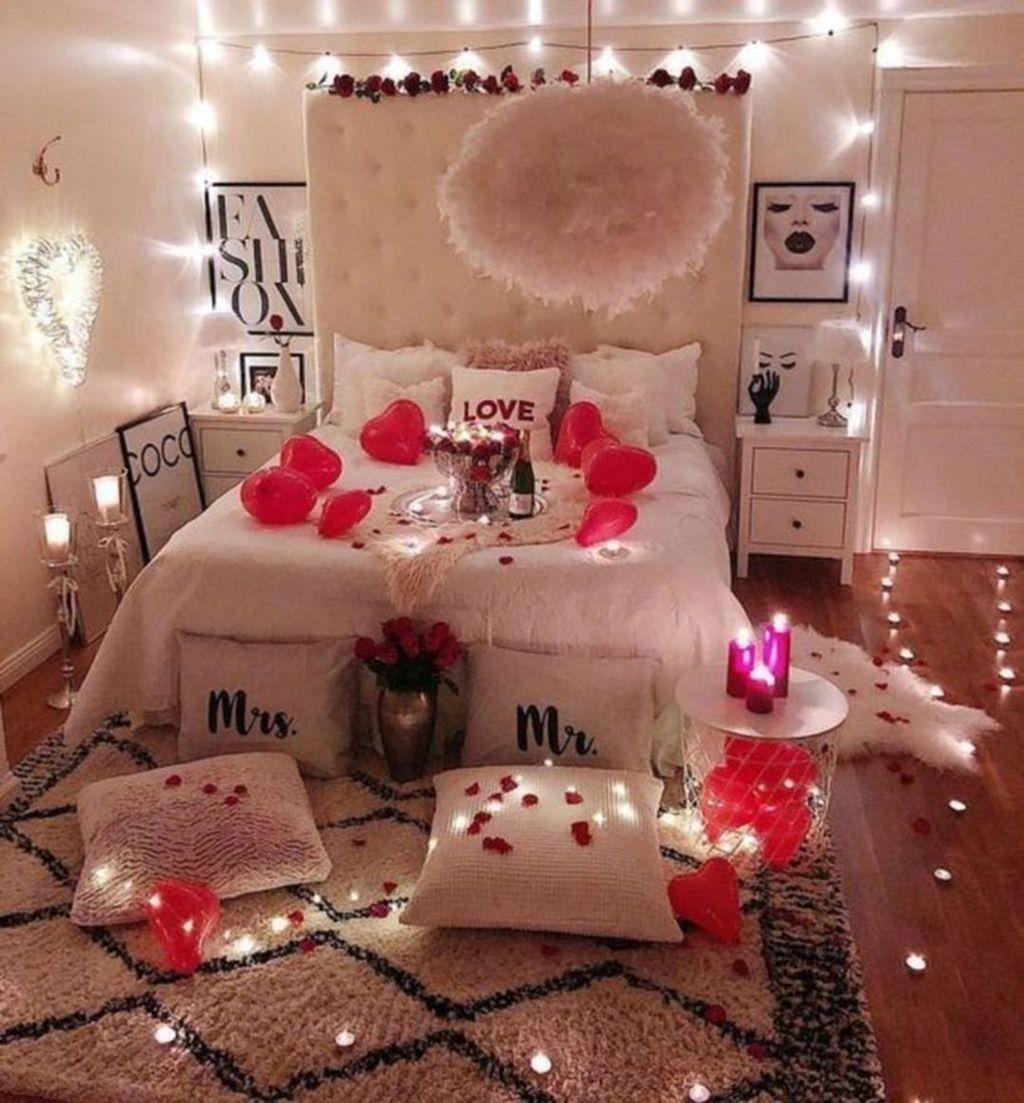 Gorgeous Romantic Valentine Bedroom Decoration Ideas 32