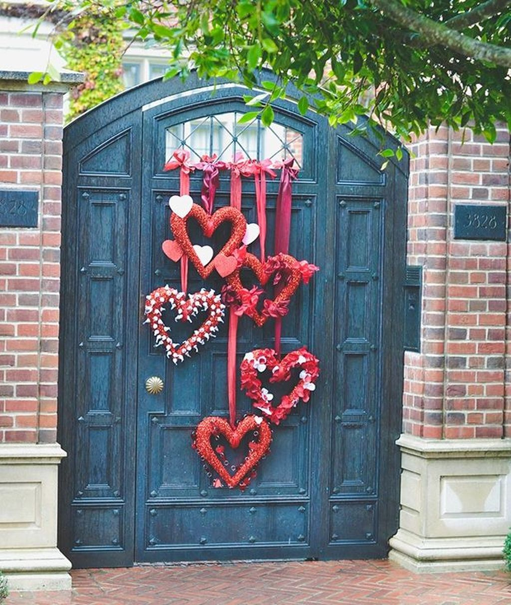 Inspiring Outdoor Valentine Decor Ideas That You Definitely Like 19