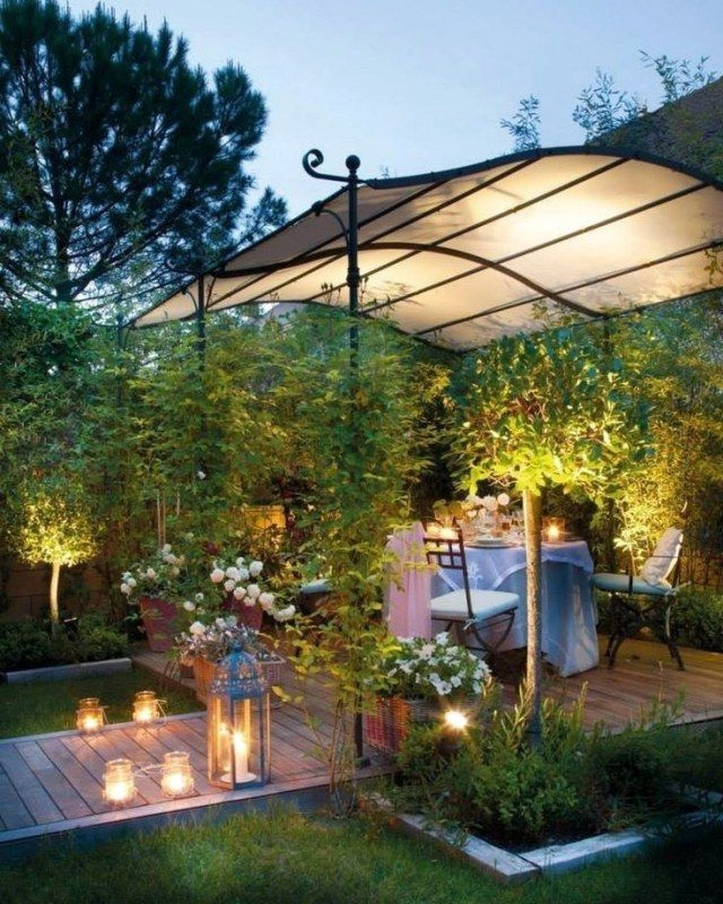 The Best Romantic Backyard Decorating Ideas 11