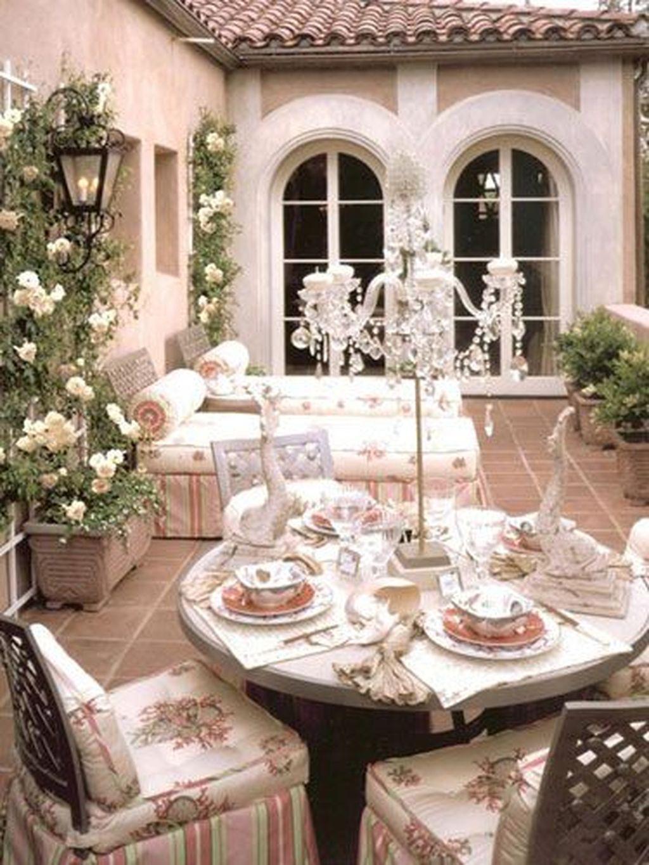 The Best Romantic Backyard Decorating Ideas 20