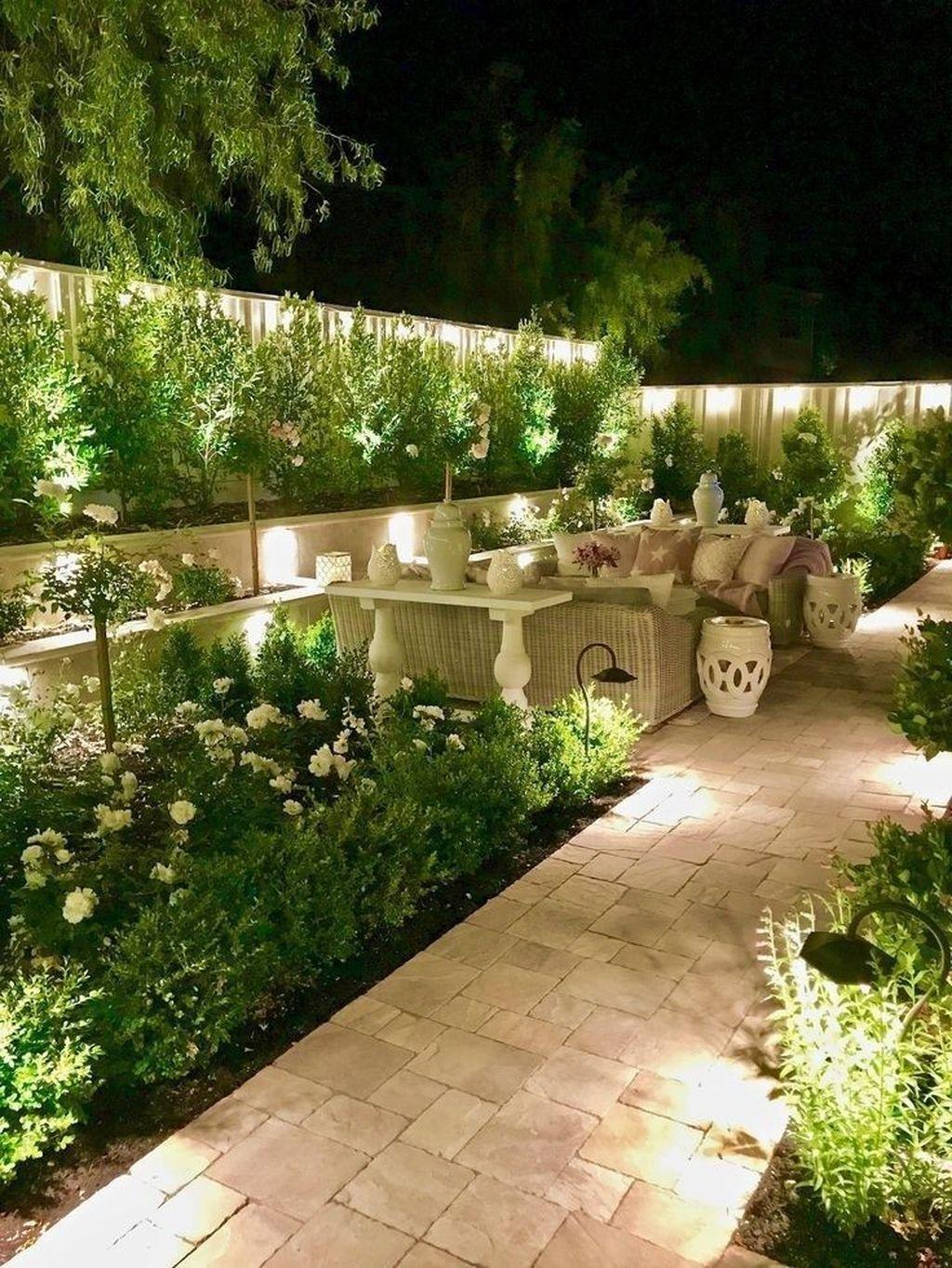 The Best Romantic Backyard Decorating Ideas 28