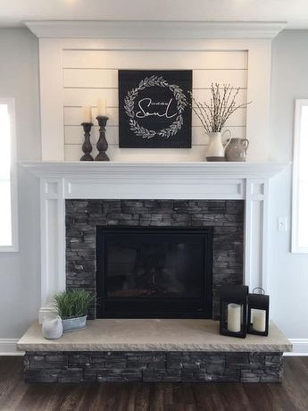 Beautiful Modern Farmhouse Fireplace Ideas You Must Have 40