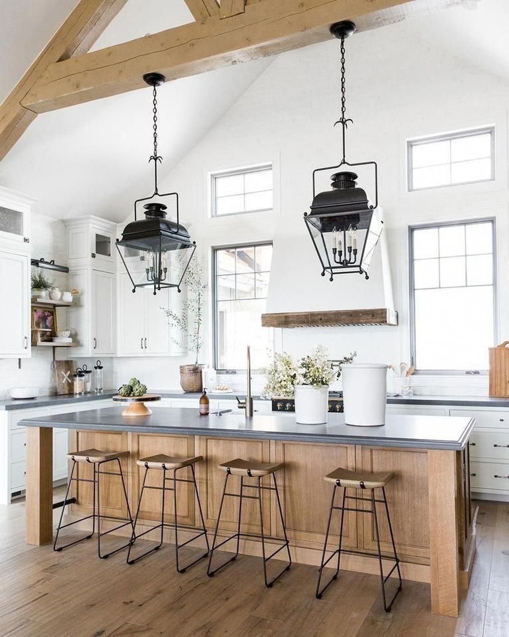 Popular Traditional Kitchen Ideas With Farmhouse Style 01