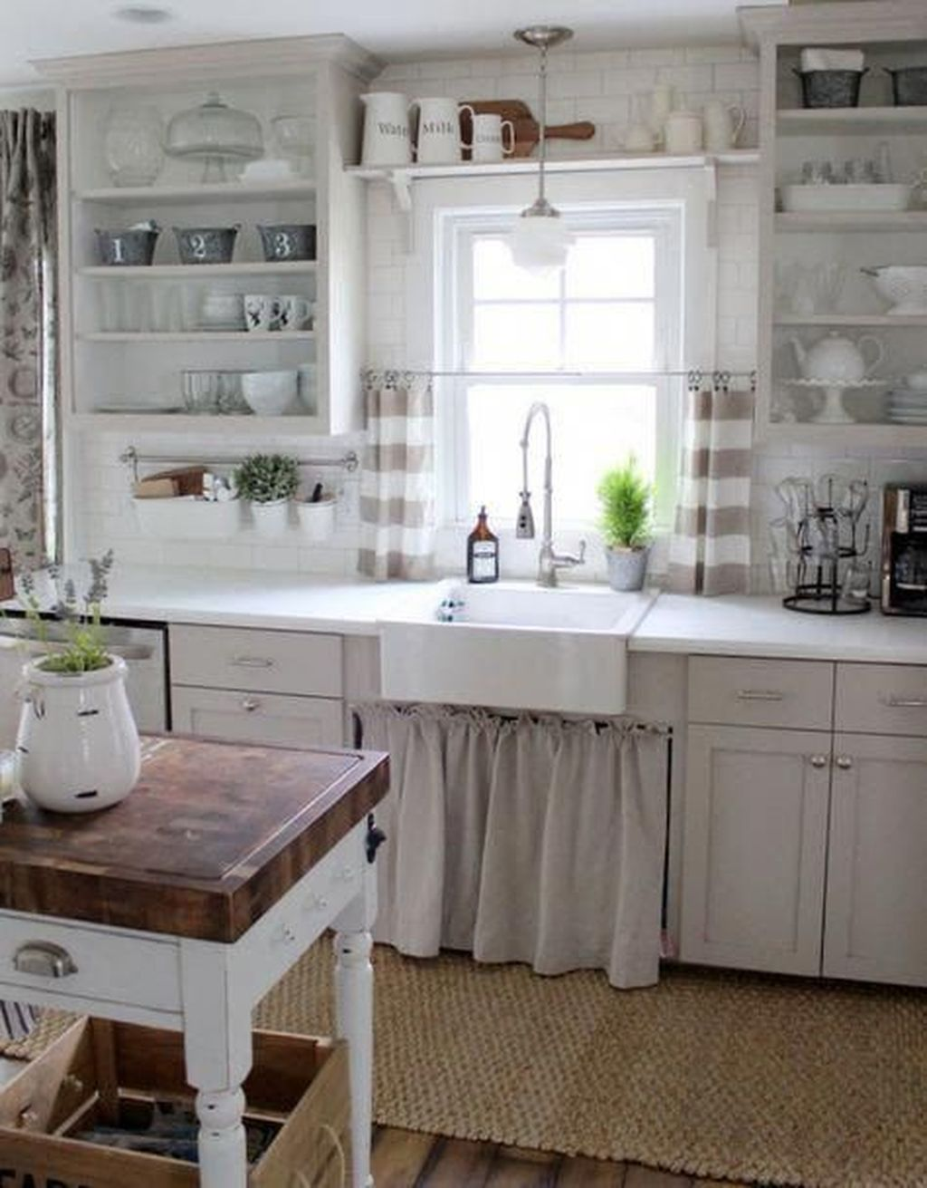 Popular Traditional Kitchen Ideas With Farmhouse Style 02
