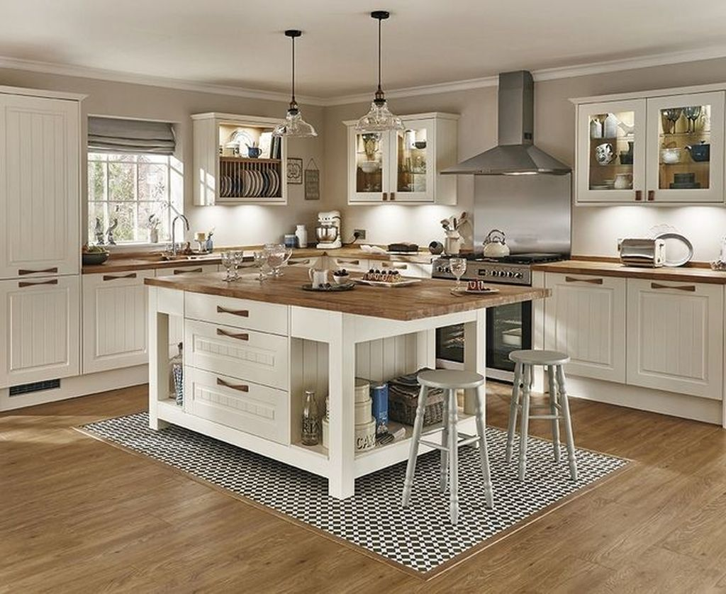 Popular Traditional Kitchen Ideas With Farmhouse Style 23