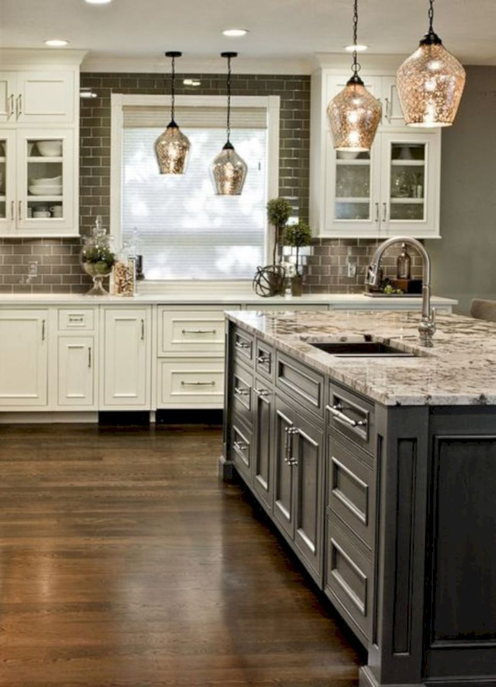 Popular Traditional Kitchen Ideas With Farmhouse Style 33