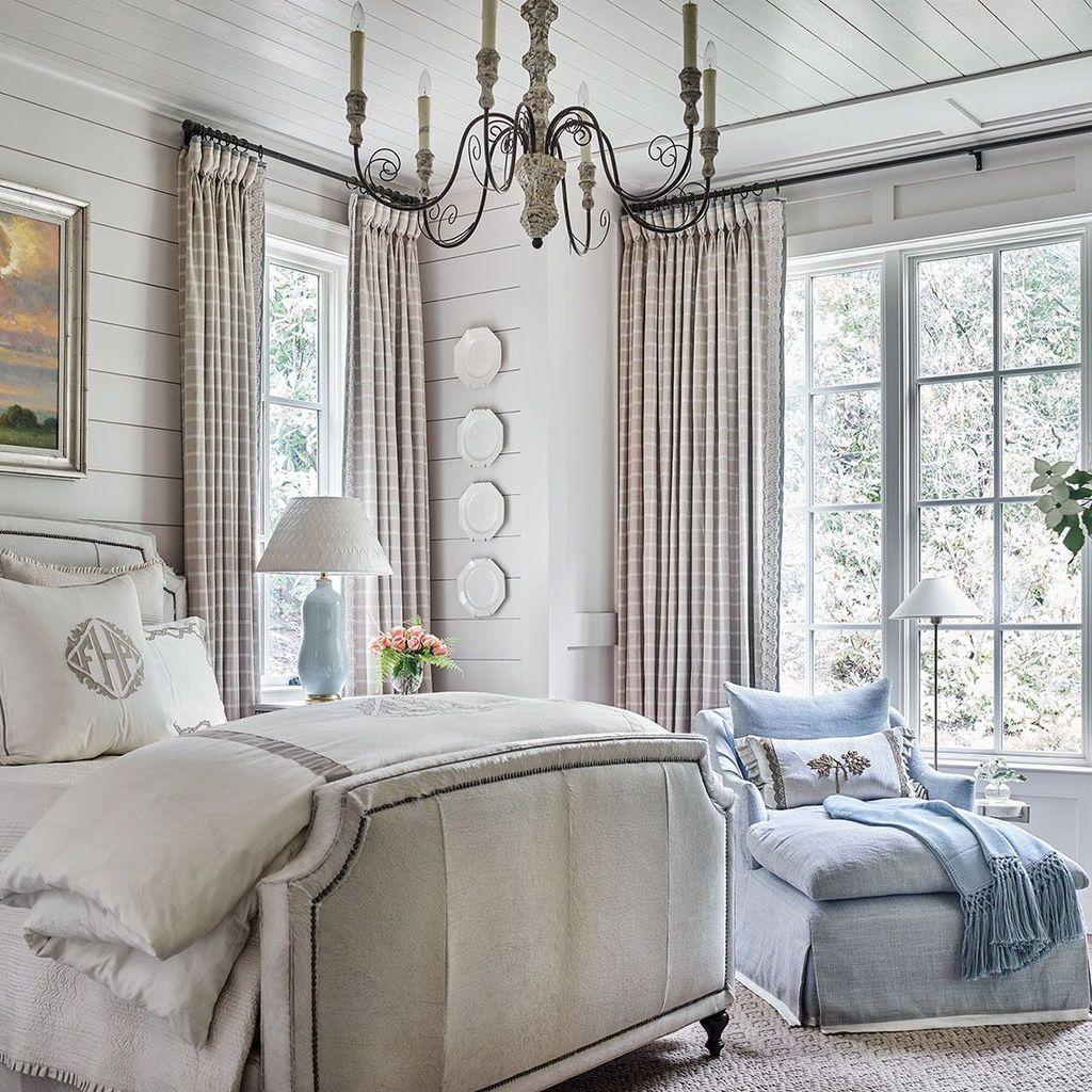 Beautiful White Master Bedroom Decorating Ideas 07