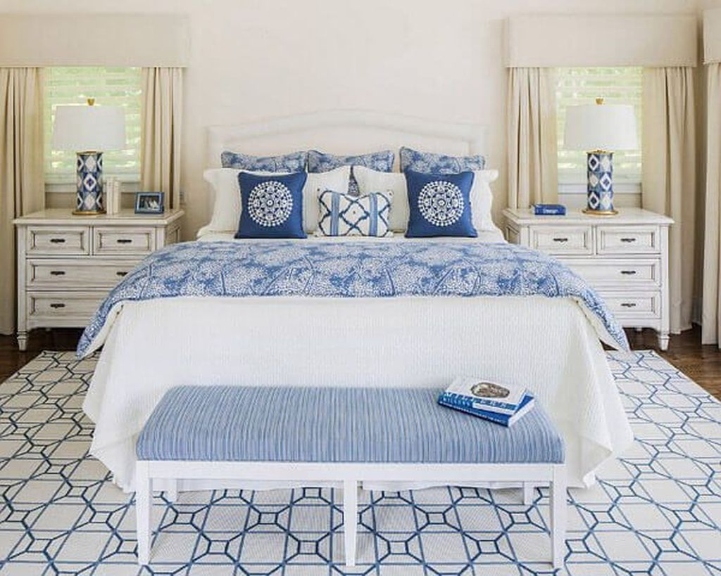 Beautiful White Master Bedroom Decorating Ideas 10