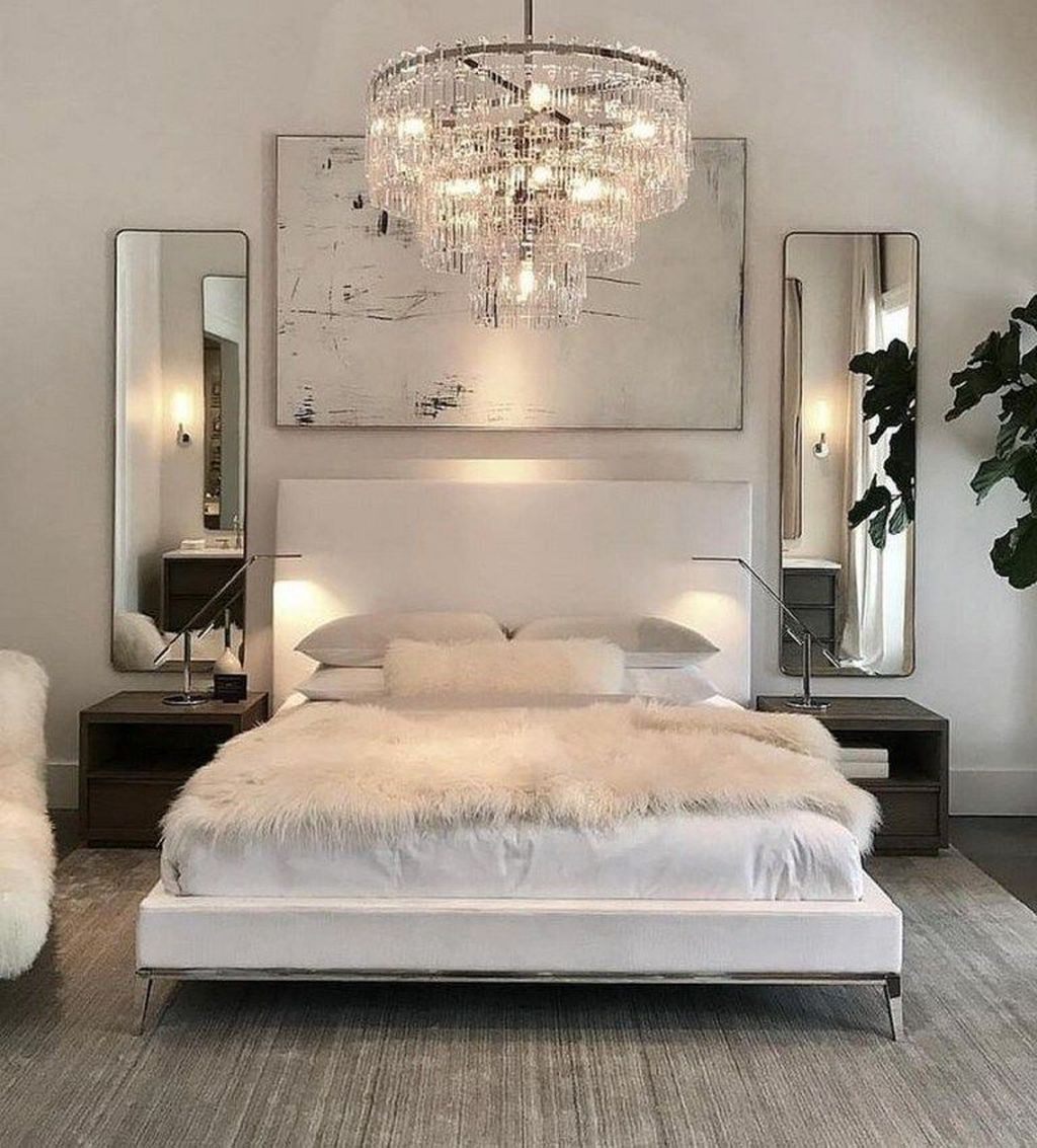 Beautiful White Master Bedroom Decorating Ideas 24