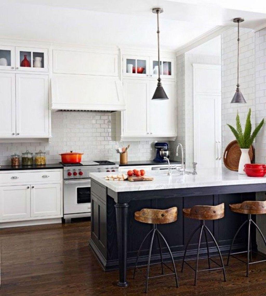 Fabulous Black And White Wood Kitchen Design Ideas 04