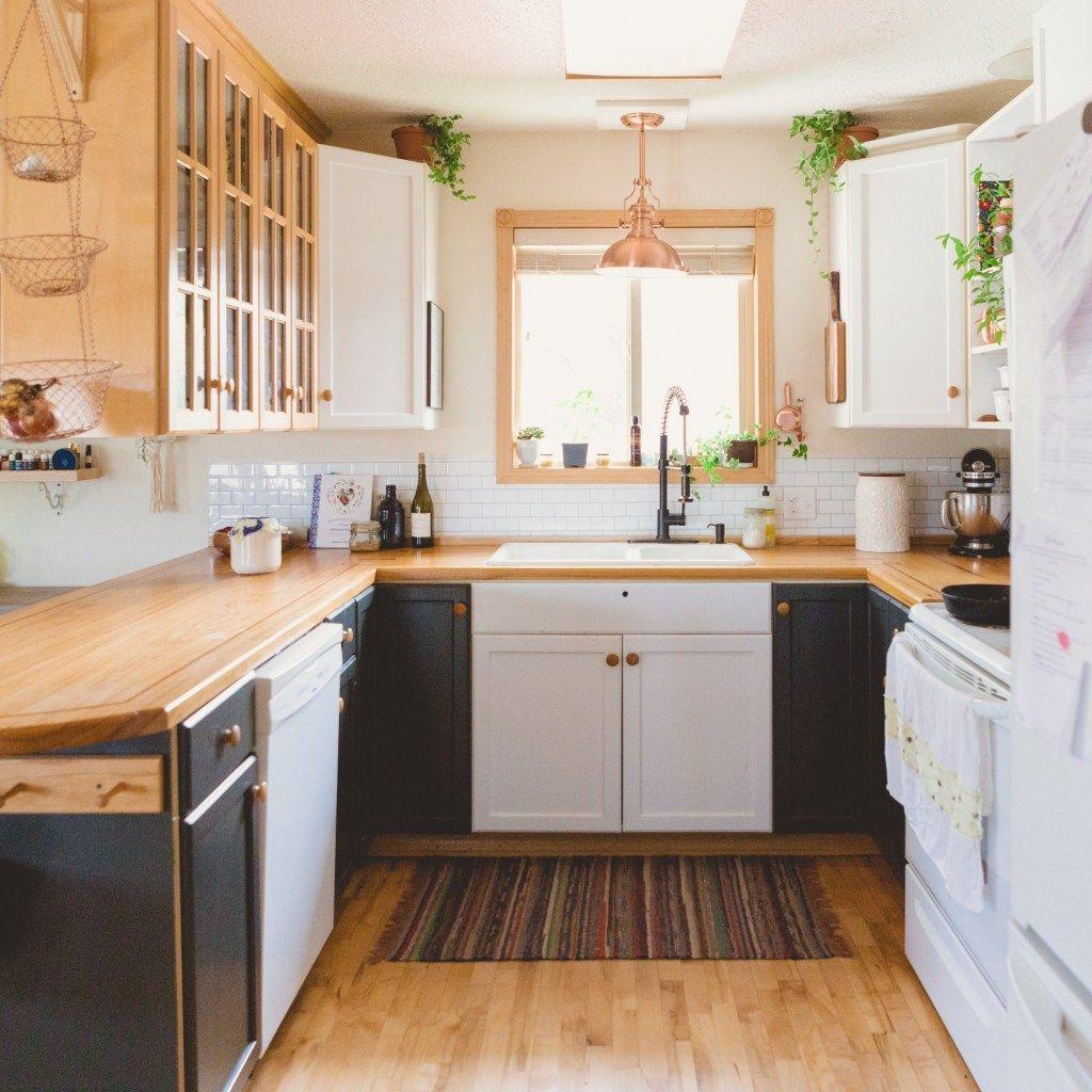 Fabulous Black And White Wood Kitchen Design Ideas 29