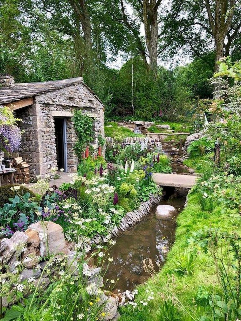 Fascinating Front Yard Cottage Garden Decor Ideas 05