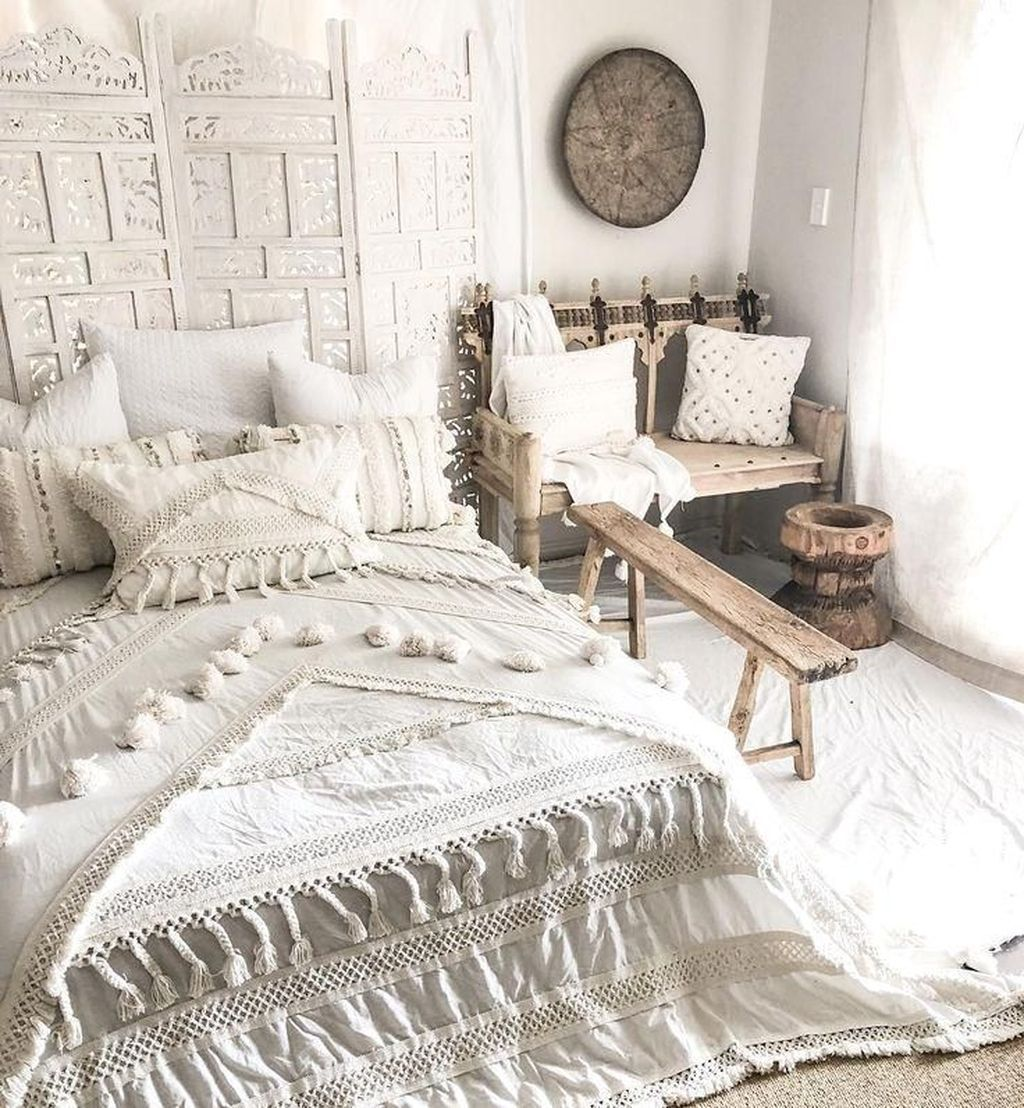 Gorgeous Bohemian Bedroom Decor Ideas You Can Try 13