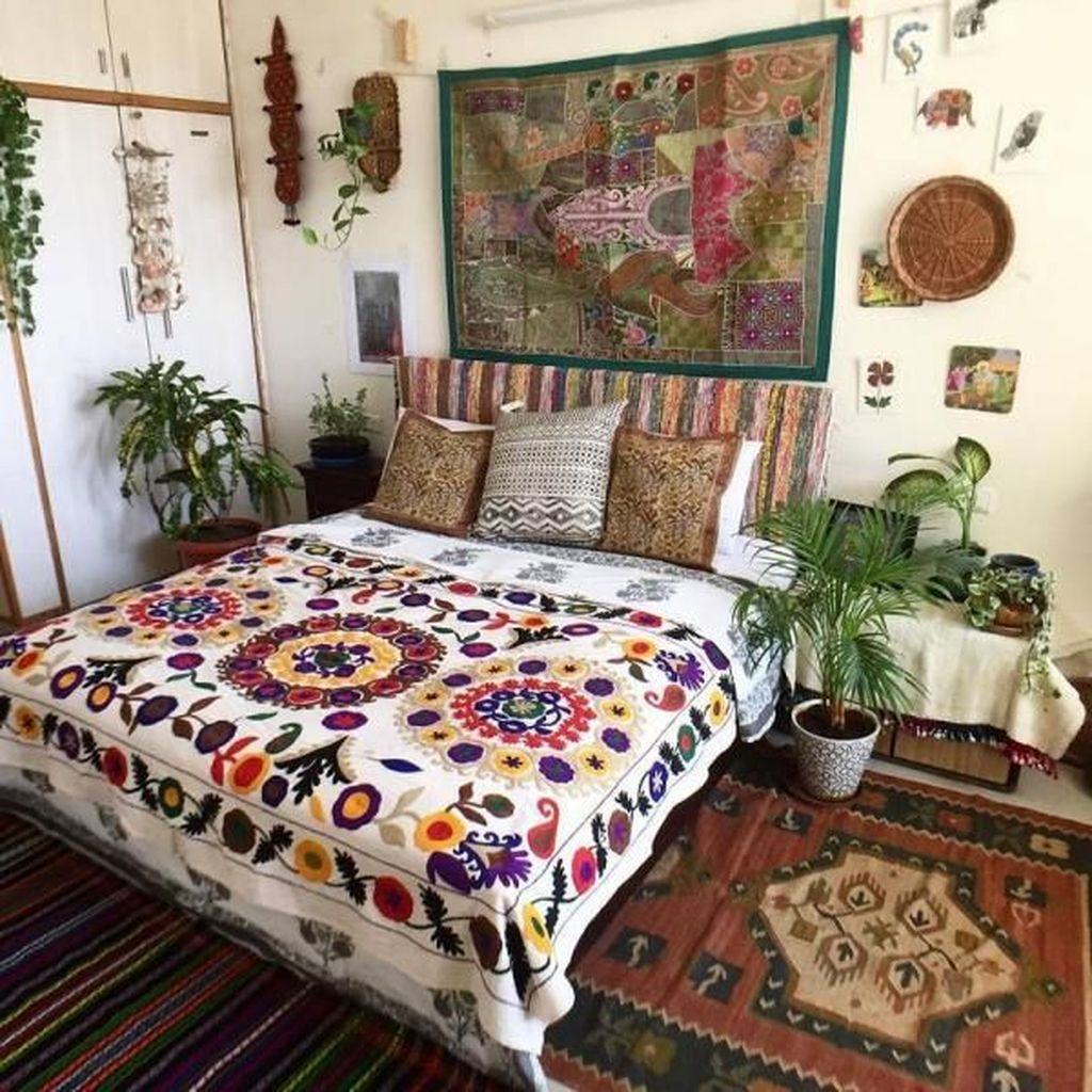 Gorgeous Bohemian Bedroom Decor Ideas You Can Try 24