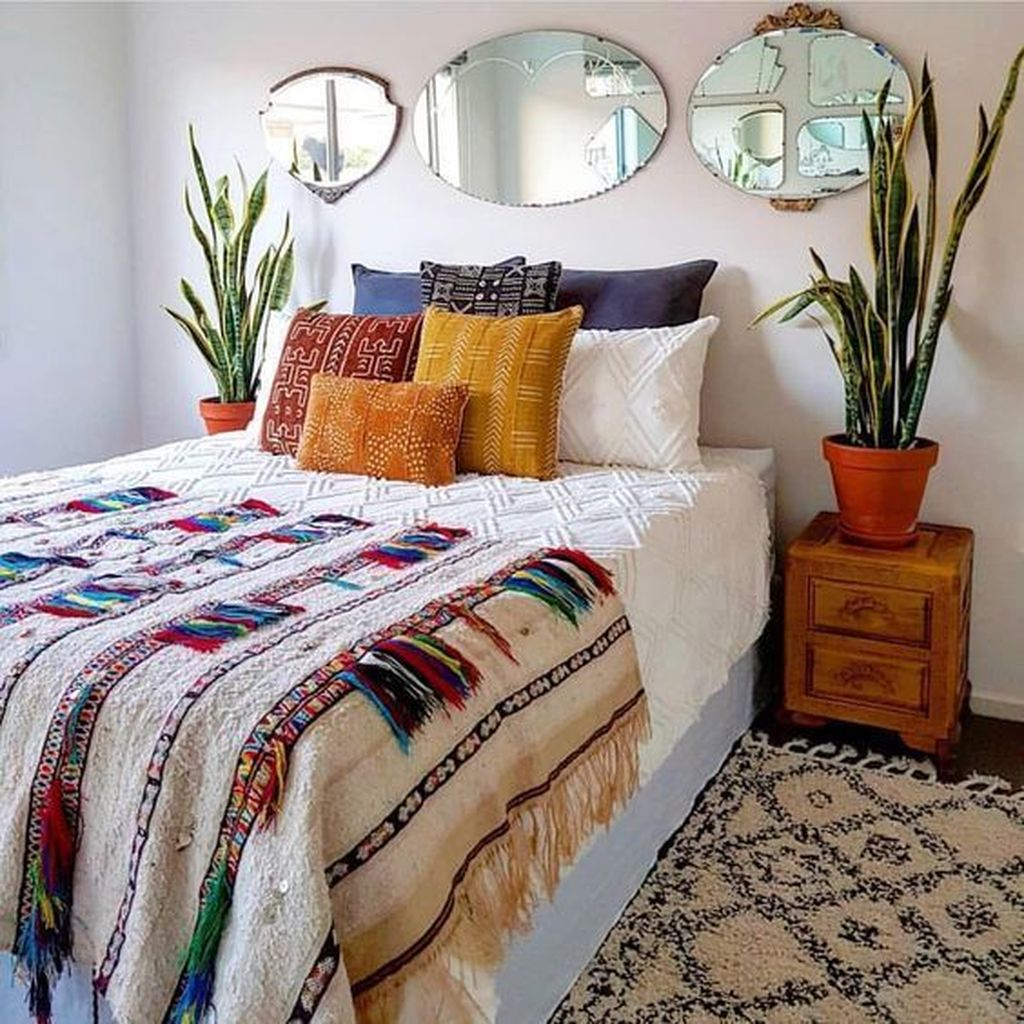 Gorgeous Bohemian Bedroom Decor Ideas You Can Try 29