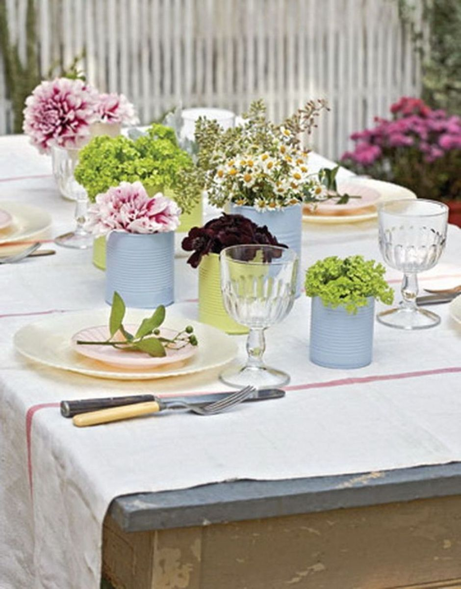 Gorgeous Spring Centerpieces Ideas For Dining Room Decor 10