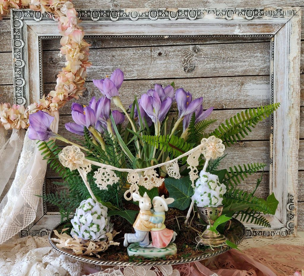 Gorgeous Spring Centerpieces Ideas For Dining Room Decor 34