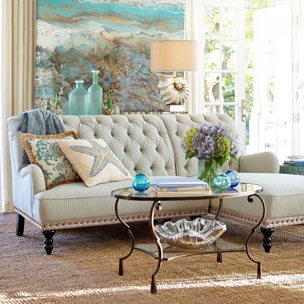 Inspiring Beachy Farmhouse Living Room Decor Ideas 12