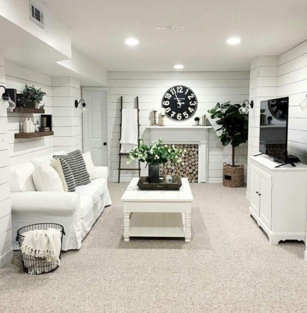Inspiring Beachy Farmhouse Living Room Decor Ideas 16