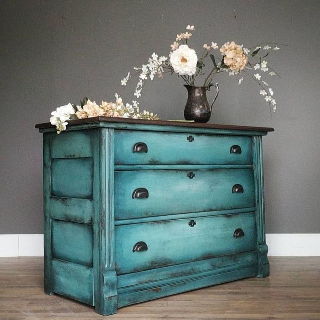 Popular Distressed Furniture Ideas To Get A Vintage Accent 03