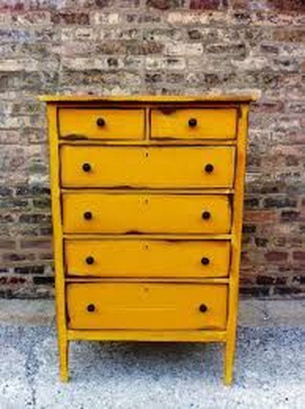 Popular Distressed Furniture Ideas To Get A Vintage Accent 04