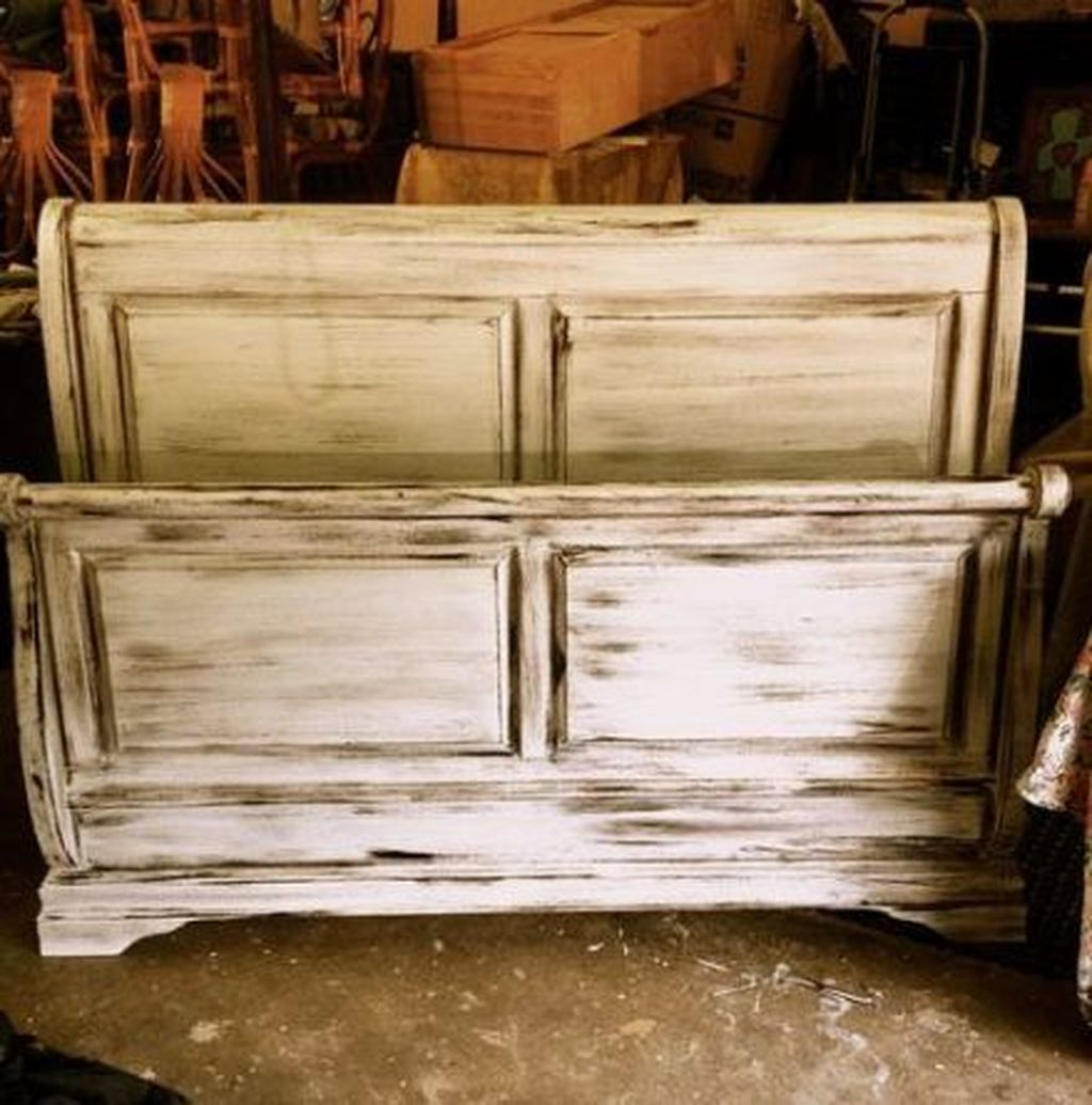 Popular Distressed Furniture Ideas To Get A Vintage Accent 07
