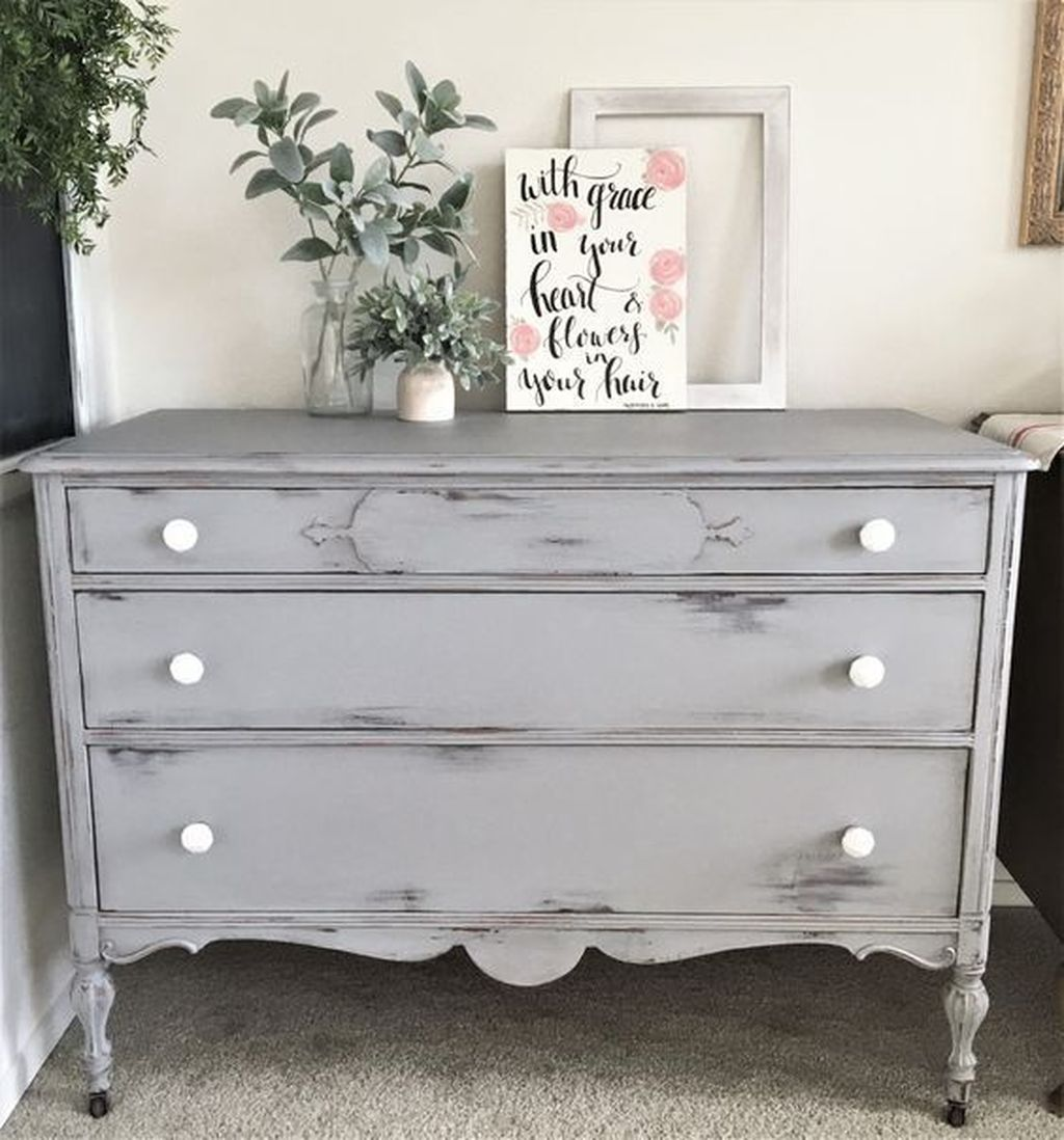 Popular Distressed Furniture Ideas To Get A Vintage Accent 13