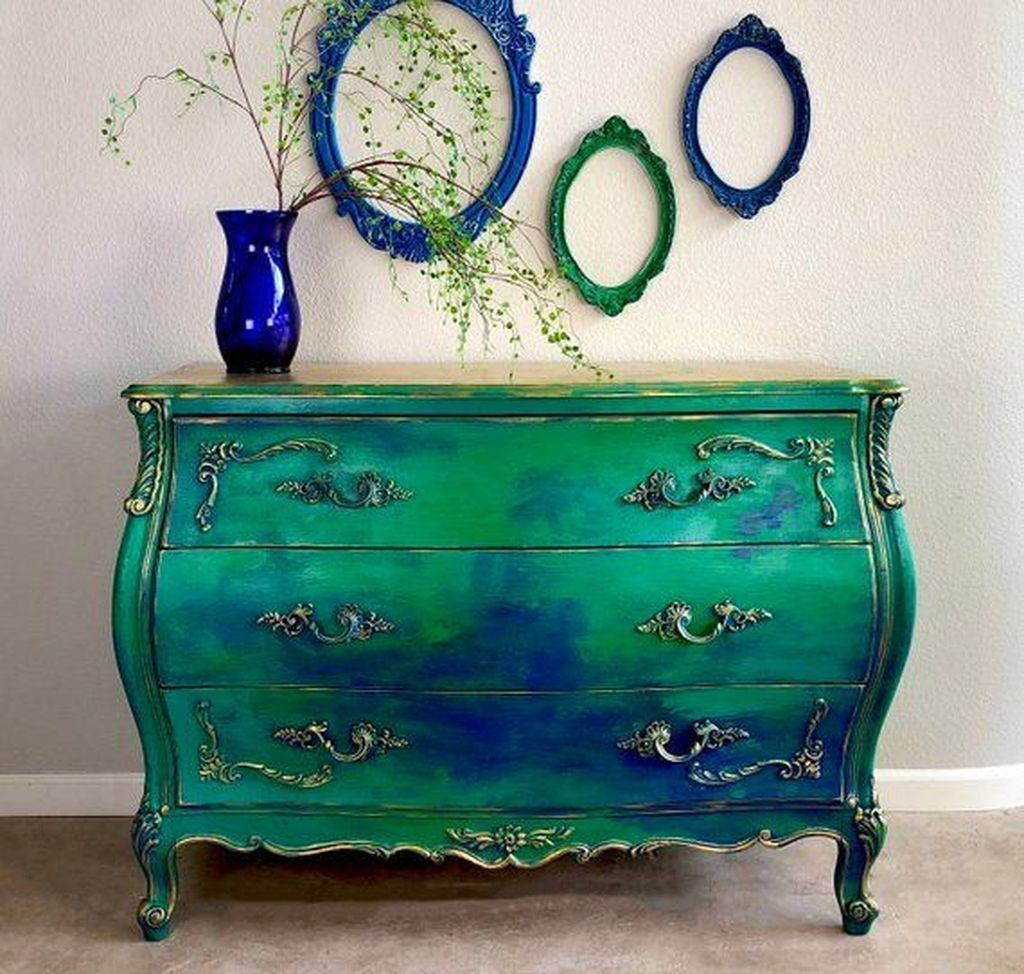 Popular Distressed Furniture Ideas To Get A Vintage Accent 18