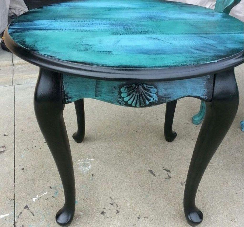 Popular Distressed Furniture Ideas To Get A Vintage Accent 22