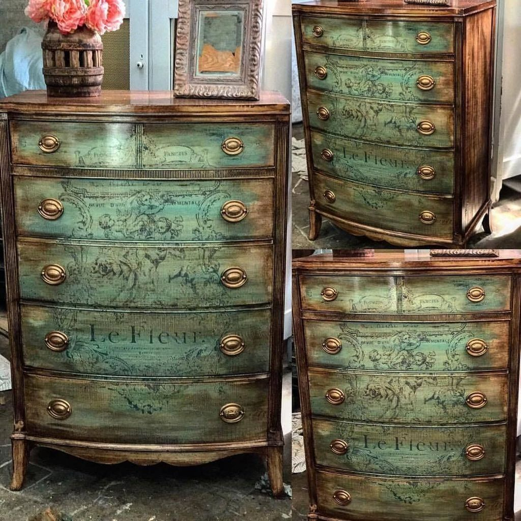 Popular Distressed Furniture Ideas To Get A Vintage Accent 25
