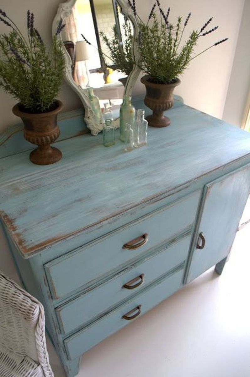 Popular Distressed Furniture Ideas To Get A Vintage Accent 37