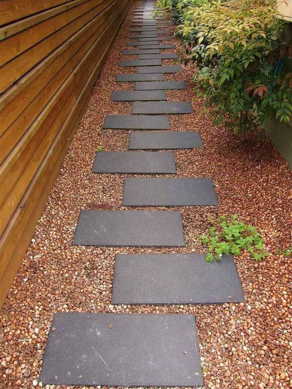 Stunning Stepping Stones Pathway Design Ideas 11