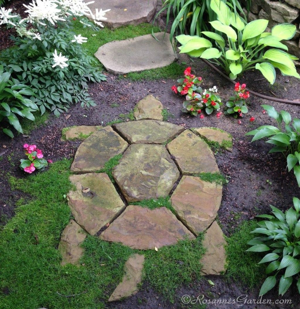 Stunning Stepping Stones Pathway Design Ideas 14