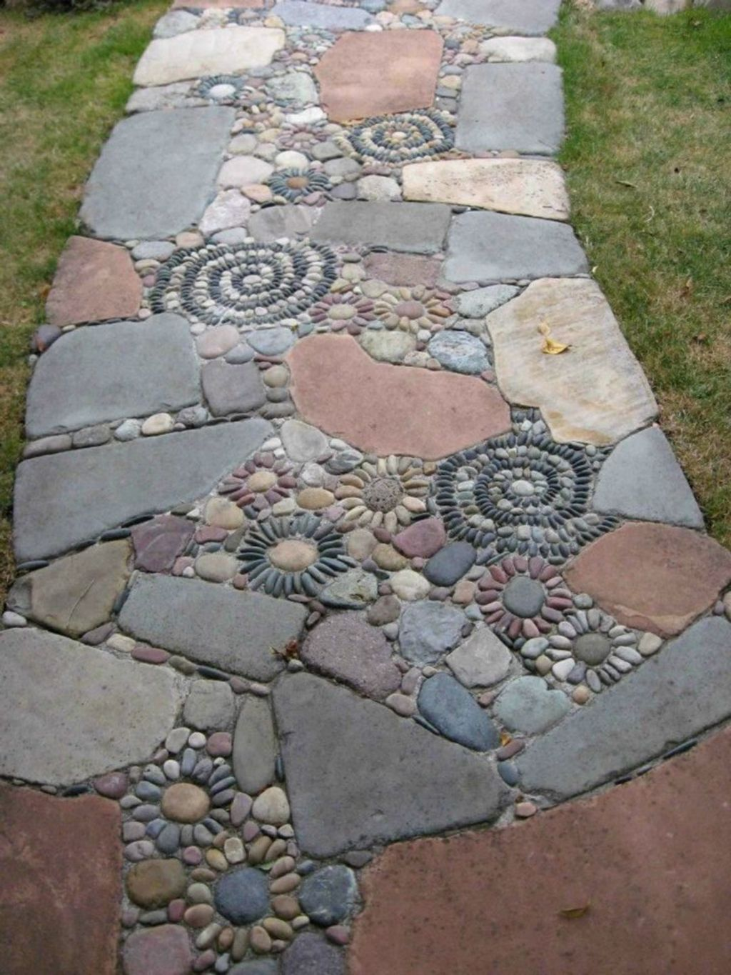 Stunning Stepping Stones Pathway Design Ideas 17