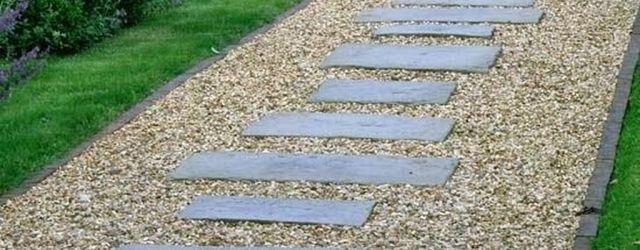 Stunning Stepping Stones Pathway Design Ideas 21