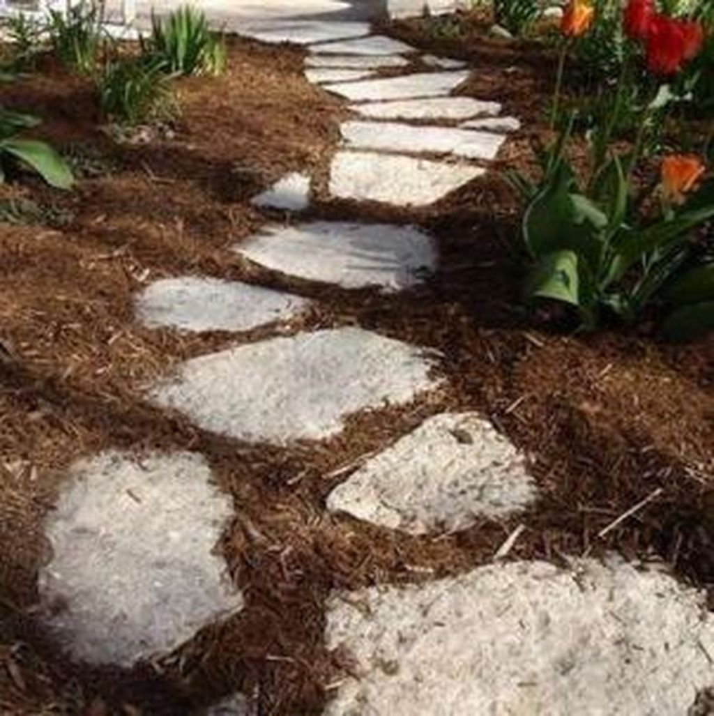 Stunning Stepping Stones Pathway Design Ideas 25