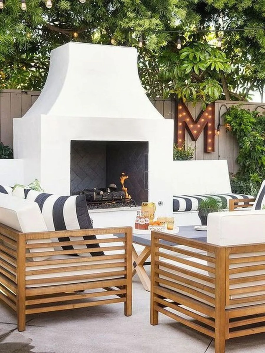 The Best Backyard Fireplace Design Ideas You Must Have 27