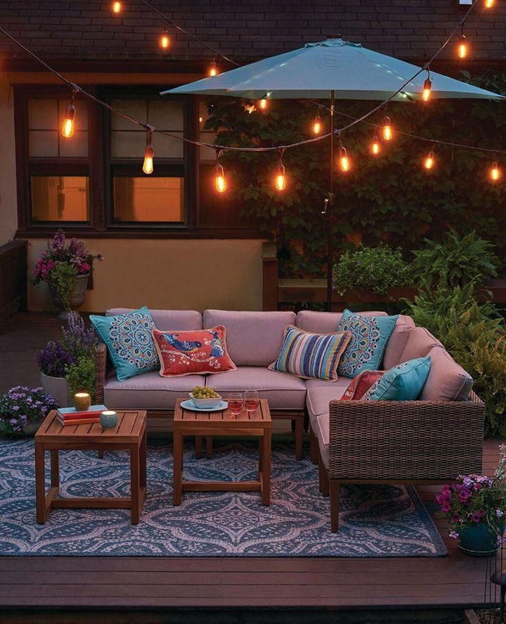 Admirable Cozy Patio Design Ideas To Relaxing On A Sunny Day 13
