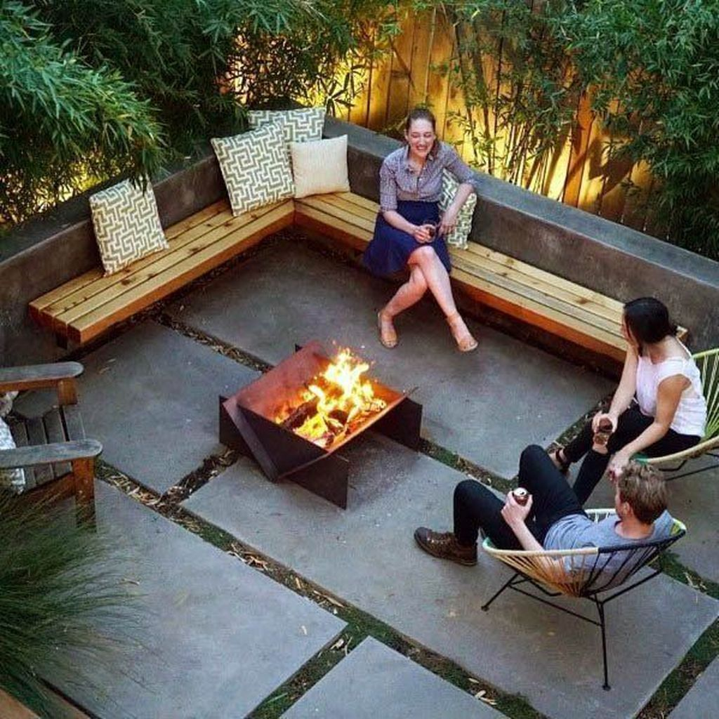 Admirable Cozy Patio Design Ideas To Relaxing On A Sunny Day 15