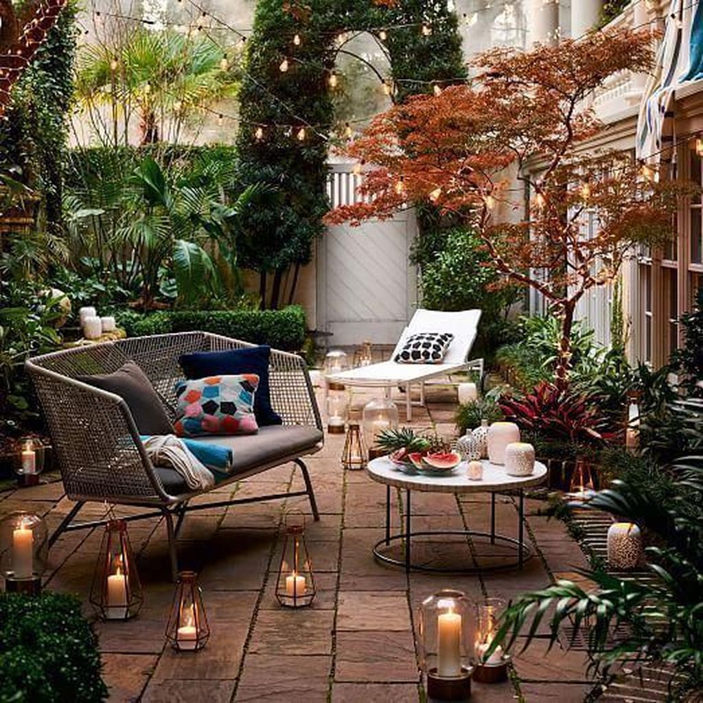 Admirable Cozy Patio Design Ideas To Relaxing On A Sunny Day 20