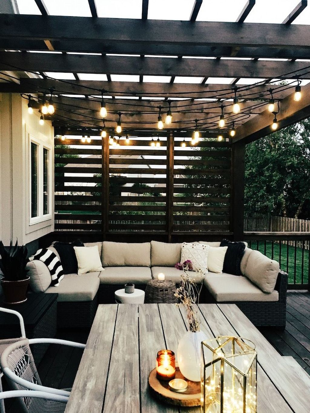 Admirable Cozy Patio Design Ideas To Relaxing On A Sunny Day 37