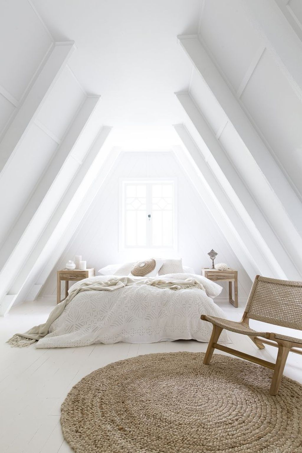 Awesome Attic Bedroom Decorating Ideas You Will Love 15