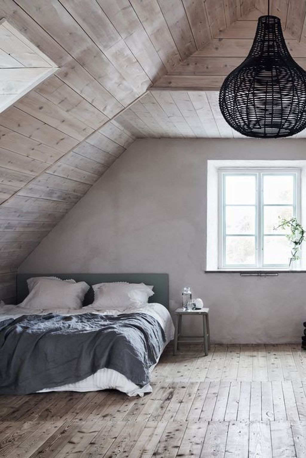 Awesome Attic Bedroom Decorating Ideas You Will Love 27
