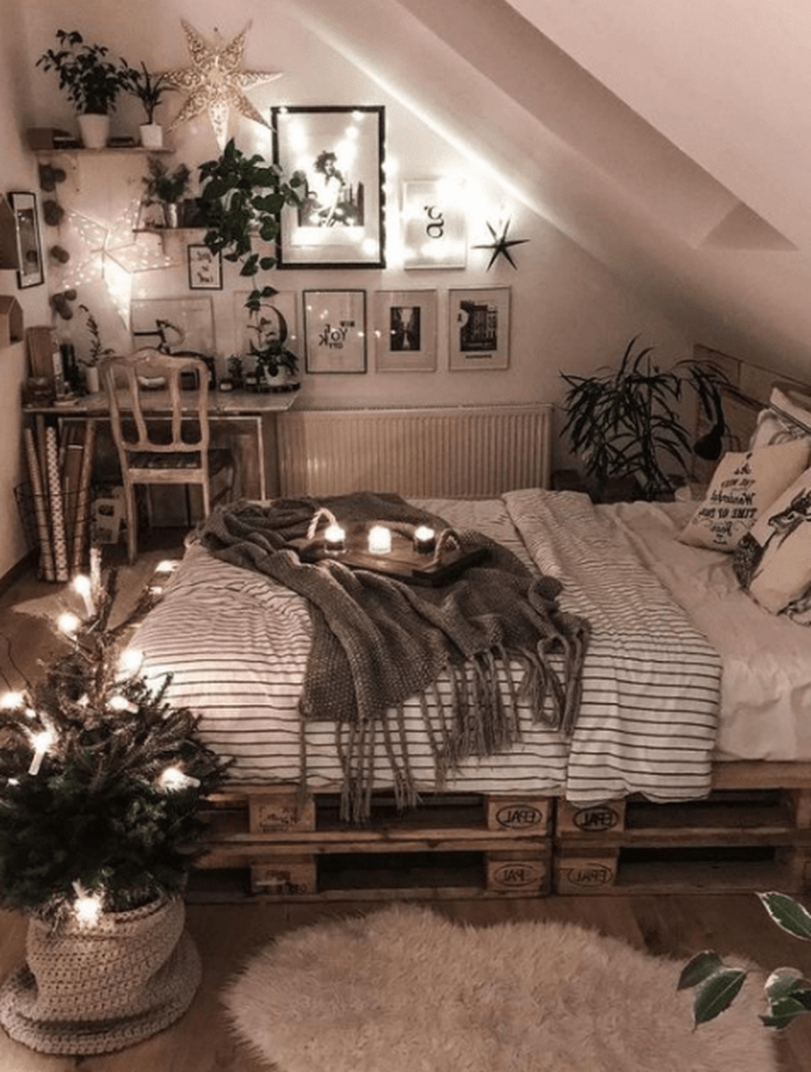 Awesome Attic Bedroom Decorating Ideas You Will Love 35