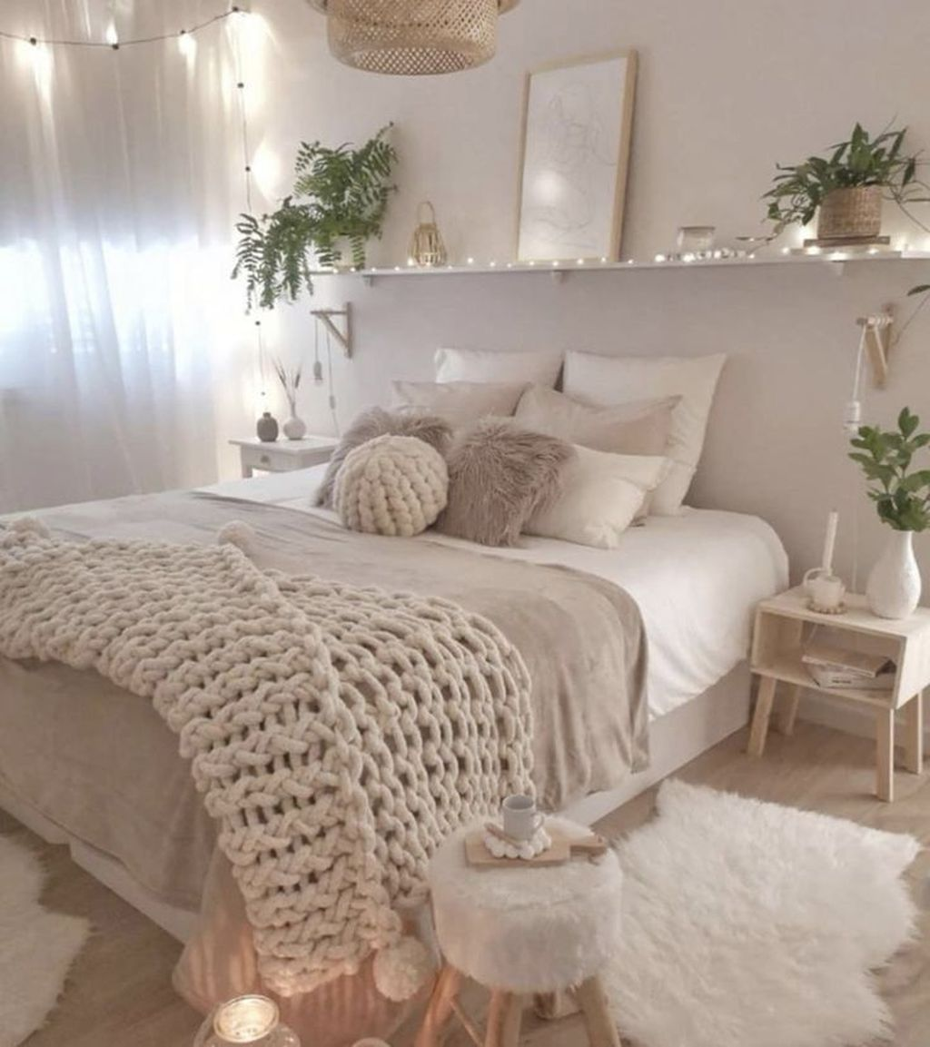 Lovely Spring Bedroom Decor Ideas Trending This Year 08